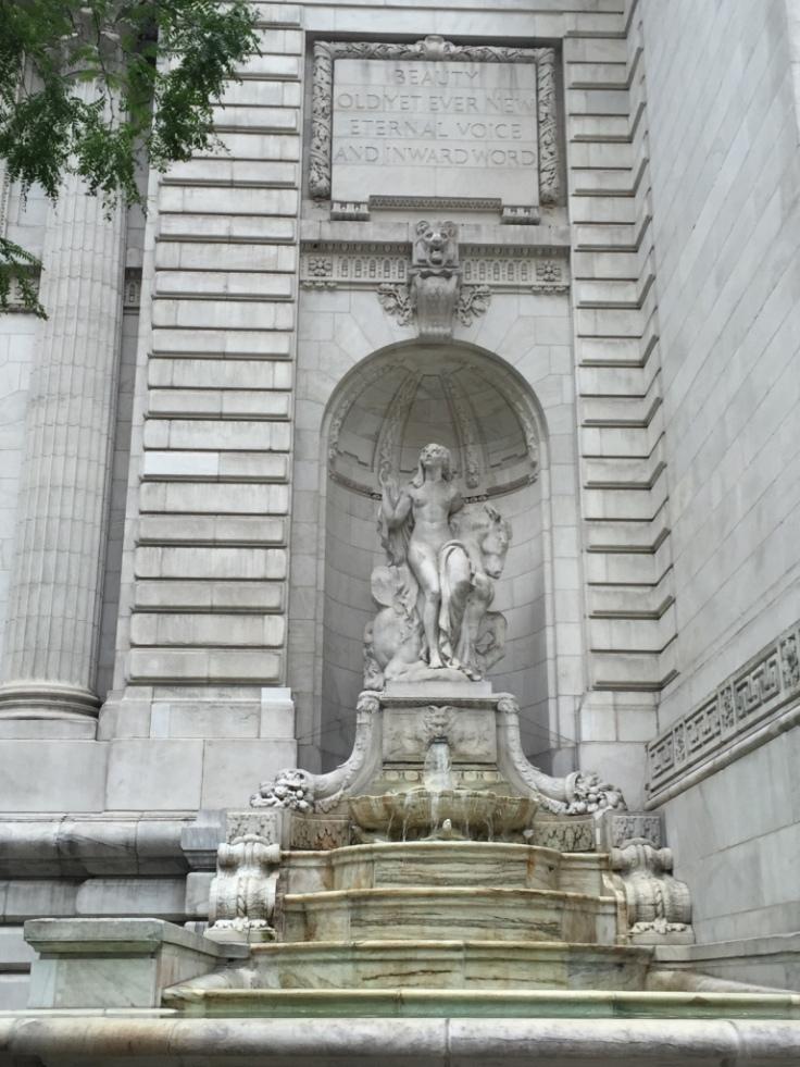 ny-public-library-statue