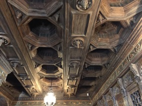 gold-leaf-ceiling