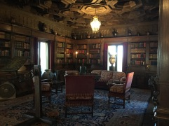 guest-library-2